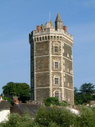 Oudon's medieval tower